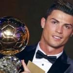 Ronaldo recebe mais uma Bola de Ouro