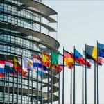 """Comissão Europeia alerta para """"riscos de não cumprimento"""" no OE de Portugal"""