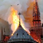 Grande incêndio atinge a catedral de Notre-Dame em Paris