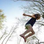Ligação à natureza torna as crianças mais felizes revela instituto tecnológico